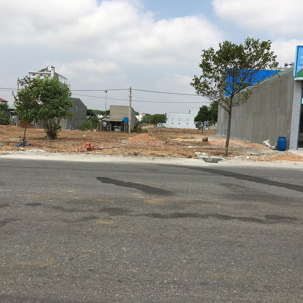 Cần mua đất lô L43 đường NL17 Mỹ Phước 3